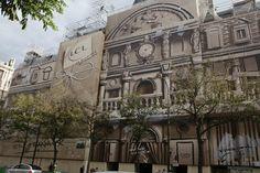 Eléments architecturaux créés pour une bâche monumentale, dissimulant les travaux de la façade d'une célèbre banque boulevard des italiens à Paris