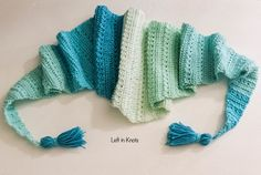 The Snow Drops Mod Scarf is a modern one skein triangle scarf that highlights the stunning texture of the star stitch. You can make this free crochet pattern with just one skein of Caron Cakes yarn or with any worsted weight yarn you have in your stash One Skein Crochet, Crochet Scarves, Crochet Shawl, Crochet Hooks, Free Crochet, Crochet Clothes, Double Crochet, Easter Crochet Patterns, Modern Crochet Patterns