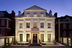 Mansion exteriors exterior contemporary with white façade wolff architects wolff architects New Classical Architecture, Architecture Images, House Architecture, Villa Design, House Design, Architects London, Classic Building, Architectural Services, Old Mansions