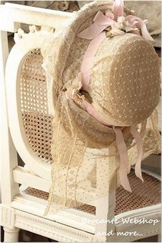 Victorian Hats, Pin Up, Fancy Hats, Hat Shop, Love Hat, Cream And Sugar, Hats For Women, Girly Things, Vintage Outfits