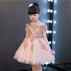 3e808e9e9ac61 55 meilleures images du tableau Petite fille robe en 2019