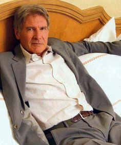 Cute old man! ^_^ <3 I wanna lie down by his side <3