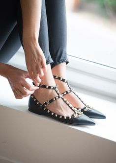 valentino noir rockstud leather pumps