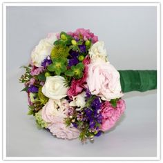 How to Make a Wedding Bouquet by apracticalwedding #Wedding #Flowers