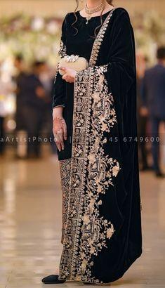 Pakistani Party Wear Dresses, Simple Pakistani Dresses, Shadi Dresses, Pakistani Wedding Outfits, Pakistani Dress Design, Pakistani Bridal, Indian Fashion Dresses, Indian Designer Outfits, Designer Dresses