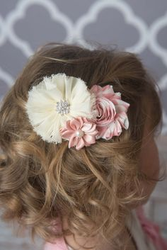 White Flower Headband - La bella rose boutique / baby girl clothes, baby headbands, girl's hairstyles, flower girl hair, picture day hair accessories.