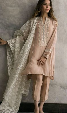 Sable Vogue Clearance Sale Up To Off – Sable Vogue now offers end of the se… - Pakistani dresses Pakistani Fashion Party Wear, Pakistani Formal Dresses, Pakistani Dress Design, Pakistani Outfits, Indian Outfits, Indian Fashion, Pakistani Bridal, Pakistani Designers, Pakistani Clothes Casual