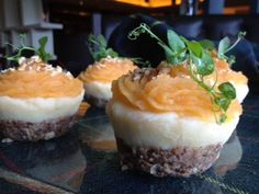 Well we are heading into haggis season- January 2014 - haggis cupcakes available at Edinburgh Airport end August! Yummy Snacks, Yummy Food, Yummy Yummy, Haggis Neeps And Tatties, Burns Supper, Scottish Recipes, Culinary Arts, Let Them Eat Cake, Food For Thought