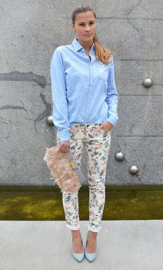 b8a9fc646b 20 Outfits With Denim Shirt Floral Pants Outfit
