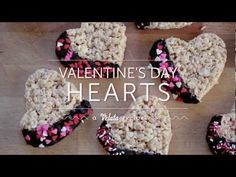 February 2013 Velata Recipe of the Month video—Valentine's Day Hearts! Adorable and easy, these chocolate-dipped Rice Krispie hearts make a wonderful Valentine's Day treat! Chocolate Cheese, Belgian Chocolate, Love Chocolate, Chocolate Dipped, Delicious Chocolate, Melting Chocolate, Chocolate Recipes, Chocolate Fondue, Fondue Recipes
