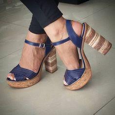 Descreva essa sandália em uma palavra. A nossa é: LUXO!  ( by @ebenezercalcados)
