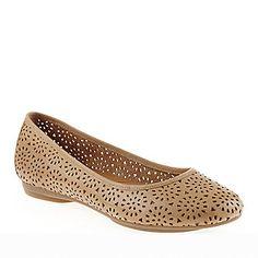 e204d4d45350 Clarks Indigo Womens Plush Bea Flats    Womens Shoes    Casual Shoes
