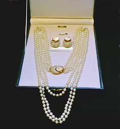 Fifth Avenue Faux Pearl And Mother-Of-Pearl by Collectitorium Mother Of Pearl Necklace, Leather Case, Valentine Gifts, Earring Set, Jewelry Collection, Gifts For Her, Vintage Jewelry, Pearls, Chain