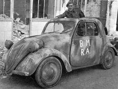 Autre Fiat Topolino au service de sa gracieuse majesté.