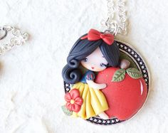 polymer clay necklace / snow white / disney / princess / clay