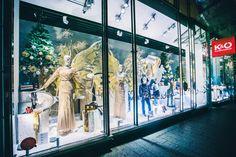 Christmas decoration shopwindows @ Kastner & Öhler fashion department store Graz Shops, Visual Merchandising, Christmas Decorations, Windows, Painting, Store Windows, Graz, Tents, Christmas Decor