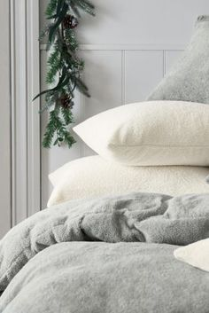 There's nothing cosier than fleece bedding, right? Time to get prepped for cold, winter nights!