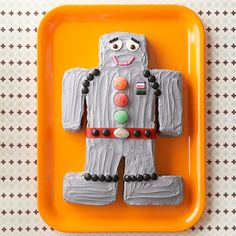 It is super easy to convert a 13x9x2-inch cake into this adorable robot! More creative birthday cakes for kids: http://www.bhg.com/recipes/desserts/cakes/birthday-cakes-for-kids-recipes/?socsrc=bhgpin072013robotcake=13