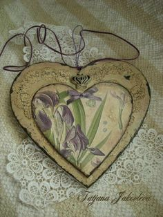 Новости Love Valentines, Valentine Crafts, Decoupage, Kinds Of Shapes, Wooden Cutouts, Fabric Hearts, Shabby Chic Crafts, Heart Crafts, Heart Art