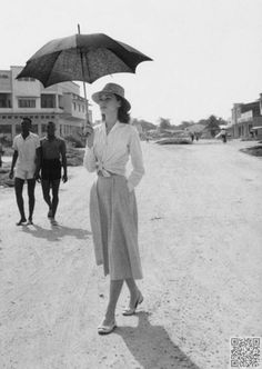 24. This #Skirt is Perfect - #Audrey Hepburn's Greatest #Looks to Give… #Length