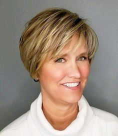 Over Caramel Bronde Pixie Bob Short Hairstyles Over 50, Short Layered Haircuts, Short Hairstyles For Women, Cool Hairstyles, Pixie Haircuts, Pixie Hairstyles, Pelo Bob, Short Hair With Layers, Short Hair Cuts For Women Over 50