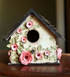 Woodwork basics, plastic garden storage boxes uk, decorating ideas for bird houses Birdhouse Craft, Birdhouse Designs, Decorative Bird Houses, Bird Houses Painted, Spring Birds, Spring Blooms, Shabby Chic Birdhouse, Homemade Bird Houses, Bird House Feeder