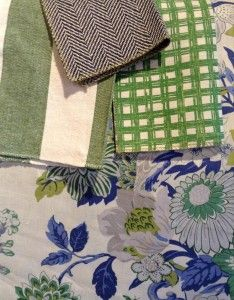 Bright colors blended together Eclectic Dining Chairs, Dream Studio, Green Rooms, Living Room Colors, Fabulous Fabrics, Color Blending, Pattern Mixing, Drapery Fabric, Beautiful Bedrooms