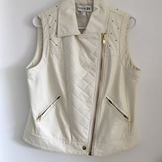 Chic, off-white leather vest jacket Front zipper pockets. Quilted faux leather. Gold details. Fully lined inside. Only worn once! Forever 21 Jackets & Coats Vests