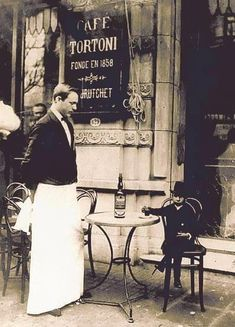 Shop front - Cafe Tortoni in Buenos Aires, Argentina, since 1858 (still there). I have no idea what's going on in this photo. Old Photos, Vintage Photos, Absinthe, South Of The Border, Second Empire, Historical Photos, Time Travel, South America, Weird