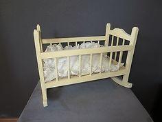 Antike Puppenwiege Um 1930 Kleines Holzbett Für Die Puppenstube Antike Puppe 2