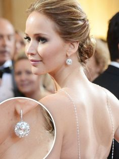 We're in love with Jennifer Lawrence's delicate necklace and sparkly earrings! Diamond Hoop Earrings, Diamond Studs, Diamond Earrings, Solitaire Diamond, Tiffany Solitaire, Cluster Earrings, Drop Earrings, Gold Studs, Gemstone Necklace