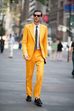 2017 Latest Coat Pant Designs Yellow Casual Custom Beach Best Man Blazer Colorful Tuxedo Men Suits 2 Pieces Slim Fit Terno KX