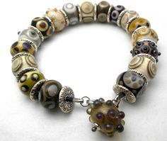Bracelet with lampwork beads by Sandra Ceuppens