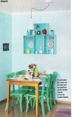 As cadeiras Lapa verde limão e a mesa Apê da MMM arrasaram nessa produção de capa da revista Casa Linda de dezembro!  http://www.meumoveldemadeira.com.br/produto/cadeira-lapa-verde-limao http://www.meumoveldemadeira.com.br/produto/mesa-de-jantar-ape-mel