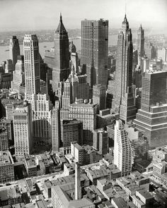 """Chase Manhattan"" :: Vintage Photos / Framed Photos / Poster Art / April ""New York City skyline, aerial view of Financial District. Chase Manhattan headquarters under construction."" / Photo by Al Ravenna New York Drawing, City Drawing, New York City Buildings, Woolworth Building, New York Architecture, Vintage Architecture, New York Photos, Vintage New York, City Photography"