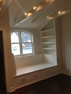 Custom Cabinetry and Built-ins – traditional – spaces – chicago – Paint JAR Inc – Top Trend – Decor – Life Style Alcove Bed, Bed Nook, Murphy Bed Ikea, Murphy Bed Plans, Built In Daybed, Sleeping Nook, Window Bed, Decorate Your Room, Custom Cabinetry