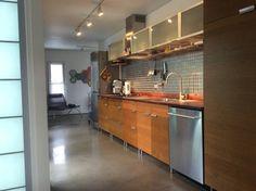 Galley kitchen : Cocinas de estilo moderno de Ecosa Institute