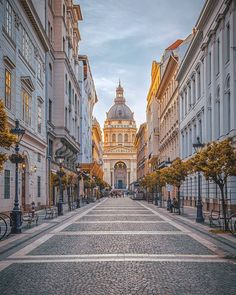 Silent autumn morning at the Basilica . City Aesthetic, Travel Aesthetic, Places Around The World, Around The Worlds, Prague Photos, Budapest Travel, Europe Holidays, Beautiful Places To Travel, Wonderful Places