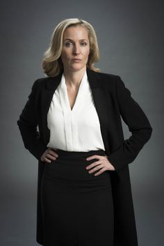 Gillian Anderson as DSI Stella Gibson in 'The Fall' Gillian Anderson The Fall, Stella Gibson, Signature Look, Sexy Older Women, Celebs, Celebrities, Face Claims, American Women, Work Fashion