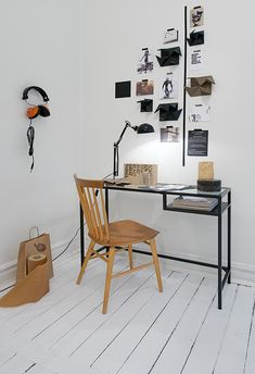 La maison d'Anna G.: Idées à piquer... #headphones #orange_red #desk