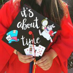 Fashion and Lifestyle Teacher Graduation Cap, Funny Graduation Caps, Graduation Theme, College Graduation Parties, Graduation Cap Designs, Graduation Cap Decoration, Graduation Pictures, Graduation Gifts, Disney Grad Caps
