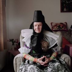The Traditional Costumes of Peasant Women in Germany and Alsace By Eric Schütt German Costume, Mode Costume, German Women, Photos Voyages, Photographs Of People, Contemporary Photography, People Dress, People Of The World, Black Forest