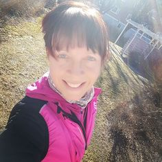 Löptur i chill-tempo & solsken var fint för både kropp och knopp.  #löpträning #löpning #löpglädje #running #runforfun #runforlife #happyrunning #runningpt #personligtränare #personaltrainer by happy_training_by_mka