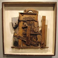 Assemblage by Salvatore Meo Mixed Media Boxes, Mixed Media Collage, Found Object Art, School Art Projects, Assemblage Art, Recycled Art, Wood Sculpture, Box Art, Altered Art