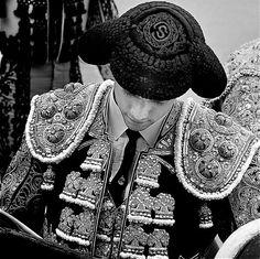 Sebastián Castella  sphotos-a.ak.fbcd.net