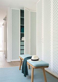 Closet door pattern