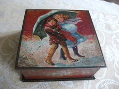 A lovely italian old tin with kids