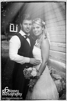 Helen Shippey Bröllopsfotografering på i gamla stan i Köping, Västmanland  #Bröllop #Brud #Bröllopsfotograf #Porträttfotograf i #Västmanland #tängstagård #tängsta #Köping  Tel. +46 72700 80 94