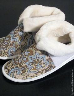 6efffa20c43c Обувь ручной работы. Ярмарка Мастеров - ручная работа обувь из овчины чуни  с узором (