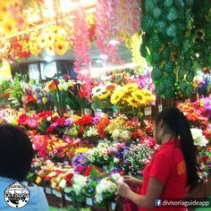 Plastic #flowers at #168 Mall :)  There are many other plastic flower sellers/wholesalers located in Divisoria Bodega Sales Center, Tutuban Primeblock and many more :)